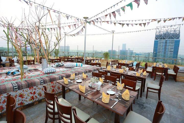 Trill Rooftop Cafe- Quán cafe ngoài trời đẹp ở Hà Nội (2)